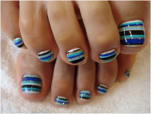 Stripes-toe-nail-art
