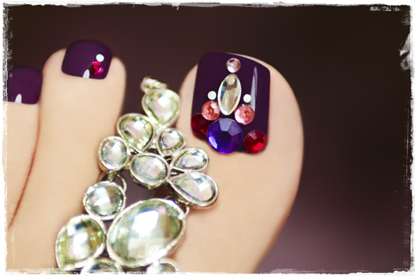 crystal-toe-nail-art
