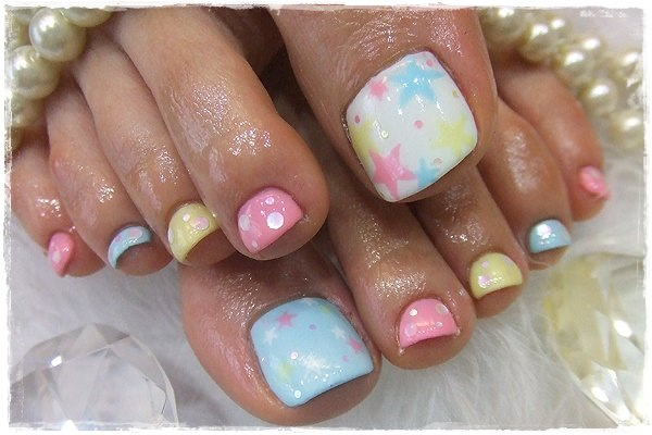 starry-toe-nail-designs1