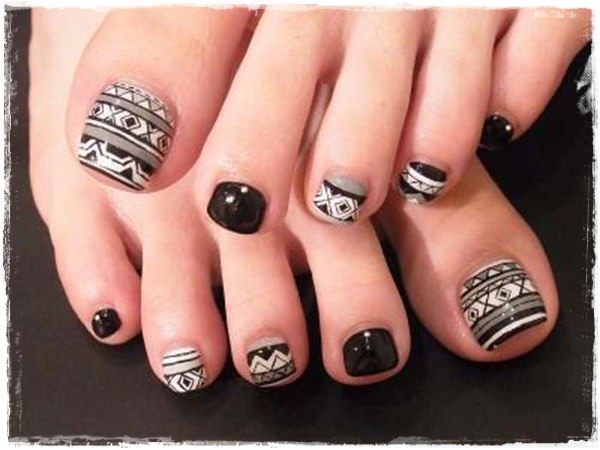 tribal-toe-nail-art1