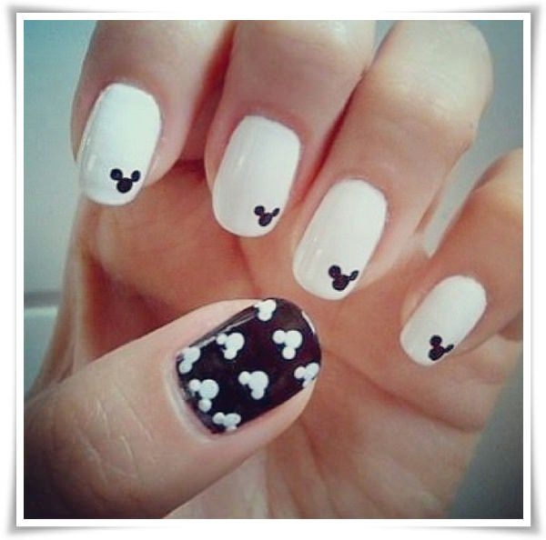 Black And White Nail 14