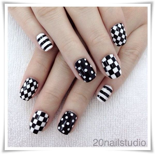 Black And White Nail 19