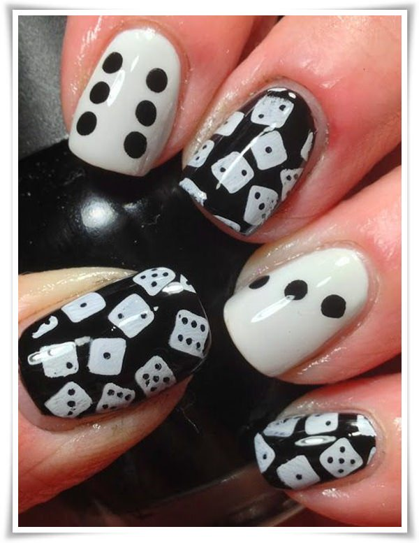 Black And White Nail 22