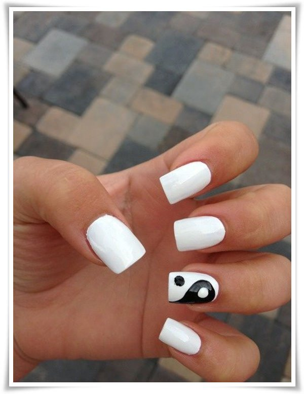 Black And White Nail 367