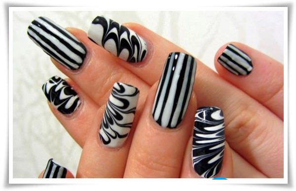 Black And White Nail 39