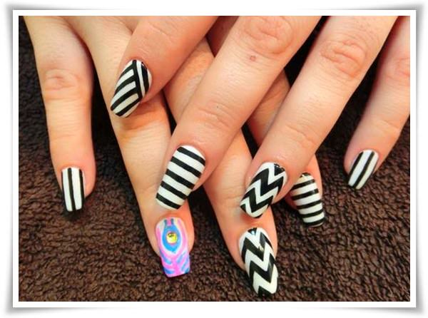 Black And White Nail 41