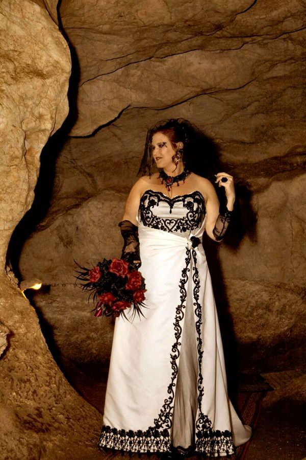 Black White Wedding Dresses 11
