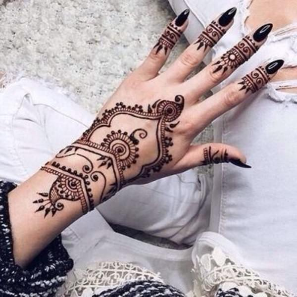 henna for natural hair dye