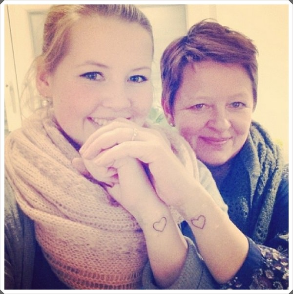 mother daughter tattoos 40