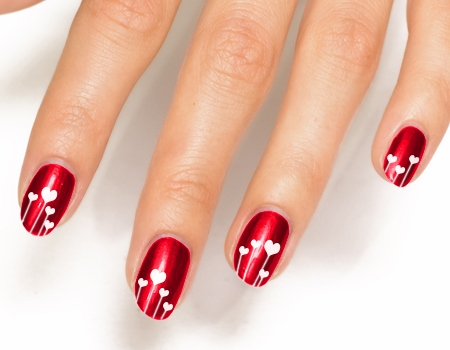 Heart rate lines on red painted nails are just fabulously beautiful. As a  plus, there is a heart shaped line on the middle finger. This design is an  ... - 45 Lifesaver Red Nail Designs