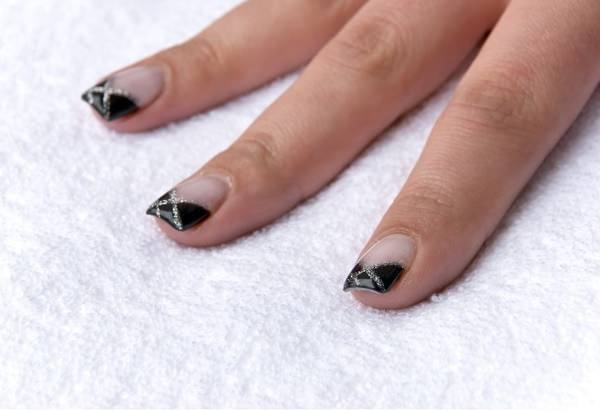Black And Silver We Meet Again Proof That There Are No Bounds To Creativity When It Comes Nail Design