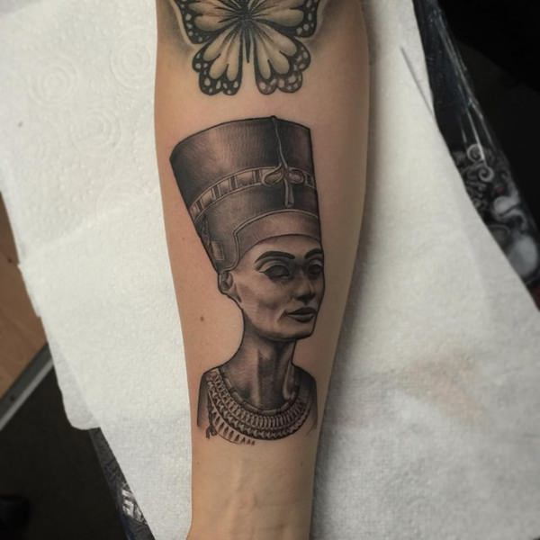 26070316-egyptian-tattoos
