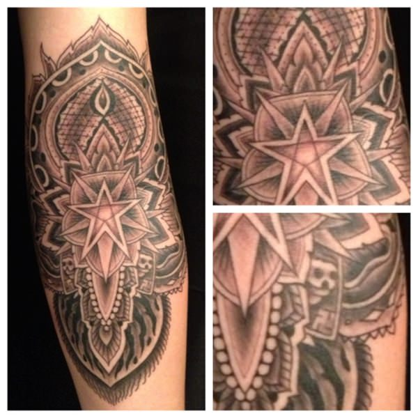 49080316-sacred-geometry-tattoo