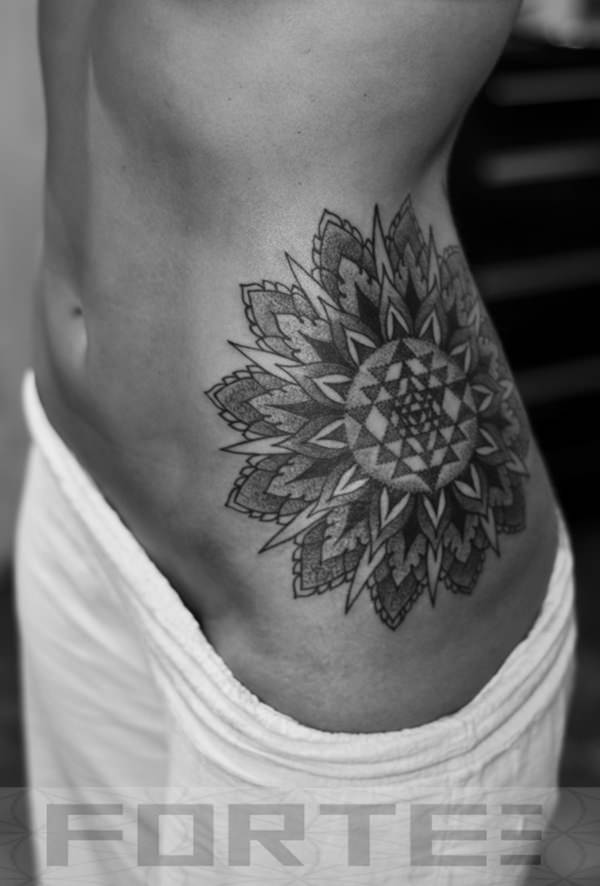 50080316-sacred-geometry-tattoo