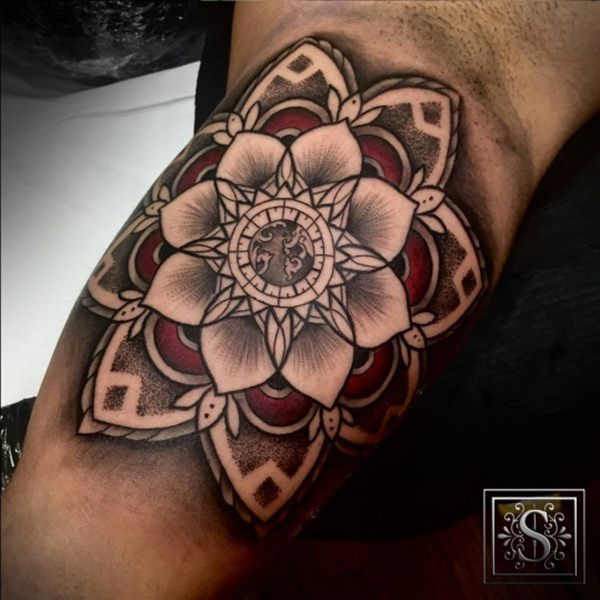 5080316-sacred-geometry-tattoo