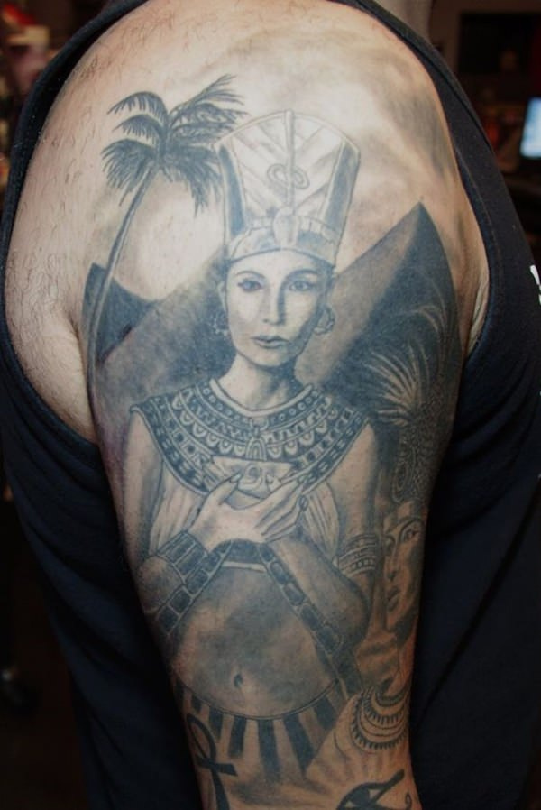 84070316-egyptian-tattoos