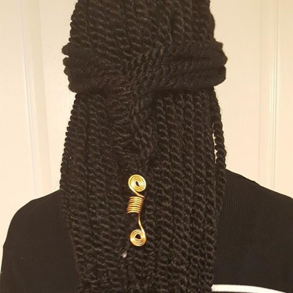 50220216-kinky-twists