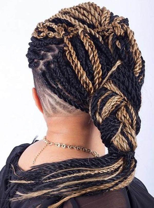 58220216-kinky-twists